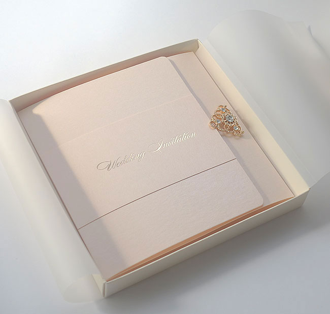 rose_gold_foil_wedding_invitation_and_box